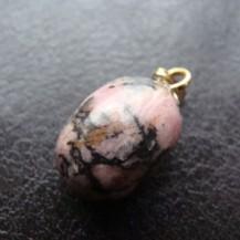 Collier en pierre roulée